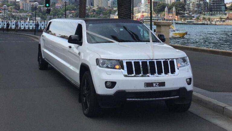 Jeep Super-Stretch Limousine (12 Seater)